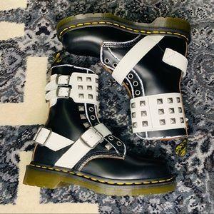 Dr Martens 1490 Joska Stud Boots